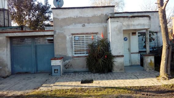 Casa 1 Y 97- 3 Amb 2 Bañ Living/coc/com Vendo-per-apta Banco