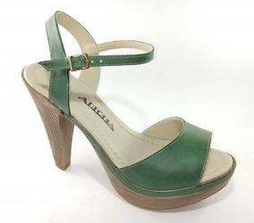 Sandália Em Couro Verde Salto Imita Madeira