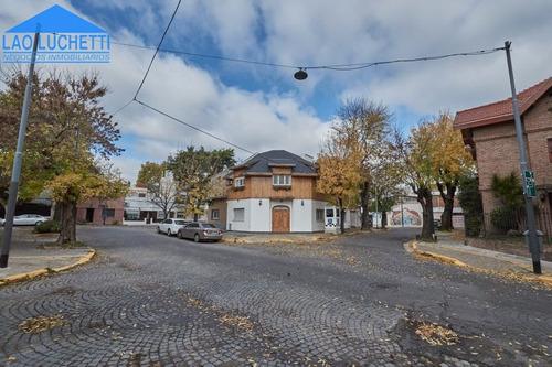 Casa En 2 Plantas Con Patio Y Terraza (chicos).