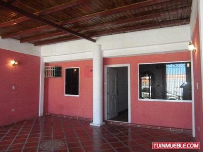 Casas En Venta Cumaná. Villa Cristobal Colon