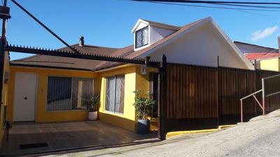 Hermosa Casa De 2 Pisos, Construcción Solida. (vende Dueño)