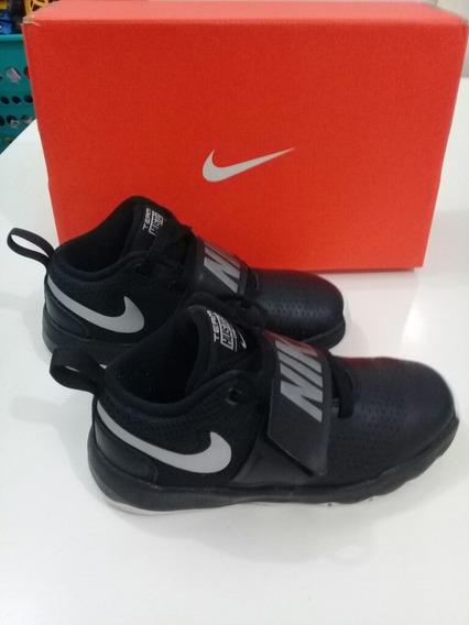 Tênis Nike Team Hustle D8 Original N30 Semi-novo Na Caixa.