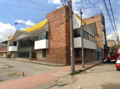 Arrendamos Estupendo Edificio Sector La Sevillana.