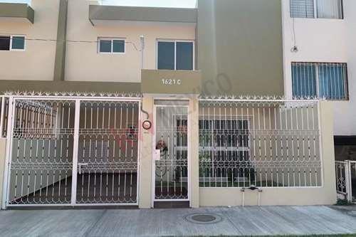 ¡excelente Casa En Renta Semi - Nueva, En Colonia Jardines Del Sol!