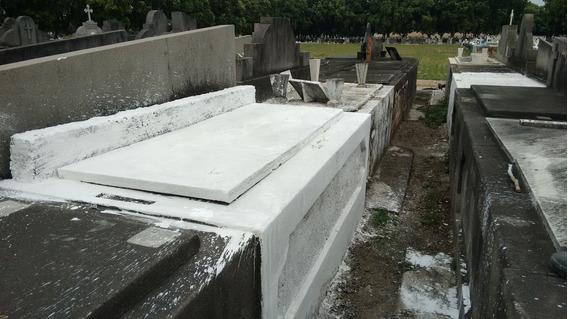 Jazigo Perpétuo No Cemitério São Francisco Xavier - Caju