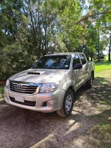 Toyota Hilux Sr 4x2 Dc