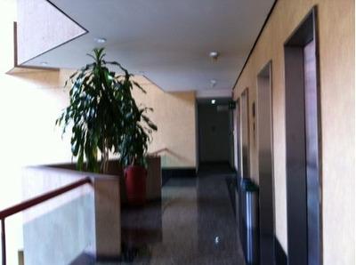 Oficinas Edificio De Cantera