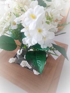 Hermoso Arreglo Floral Blanco