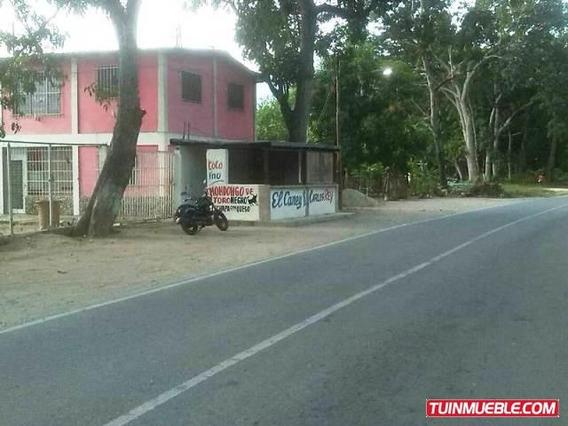 Townhouses En Venta Ocumare De La Costa 04125317336