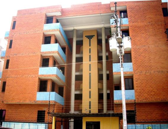 Apartamento En Venta Urb. San Jacinto - Maracay 20-21897 Hcc