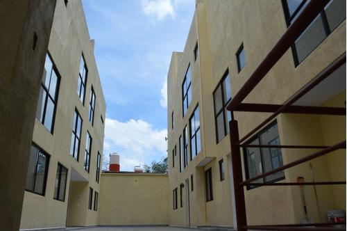 Imagen 1 de 12 de Hermosa Casa En Condominio De 3 Recamaras Y 4 Estacion.