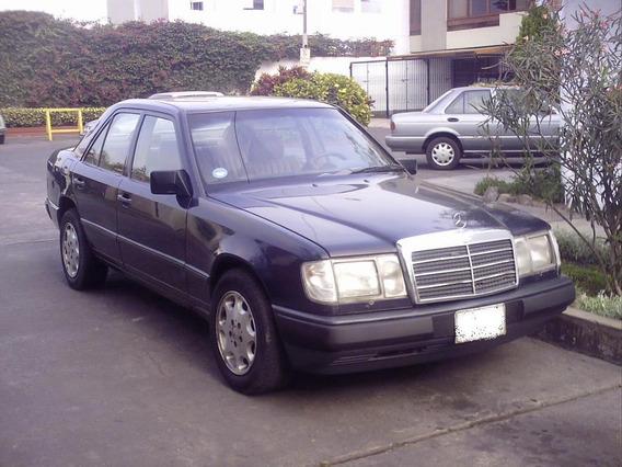 Vendo Auto Mercedez Benz, Color Azul, Bien Conservado, De Oc