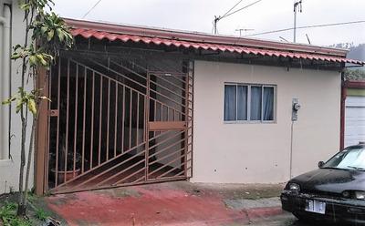 Casa En Residencial Con Seguridad, Desamparados, San José.