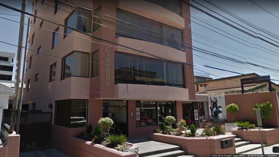 Oficina De Venta Sector Quicentro Norte En La Av. Shyris