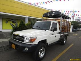 Toyota Land Cruiser 4.0 Mt 4x4