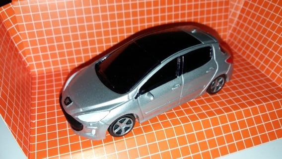 Autito En Escala 1.43 Peugeot 308, Plata