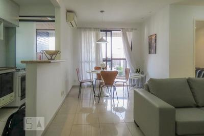 Apartamento No 17º Andar Com 2 Dormitórios E 2 Garagens - Id: 892926659 - 226659