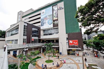 Local Centro Comercial Bosque Plaza