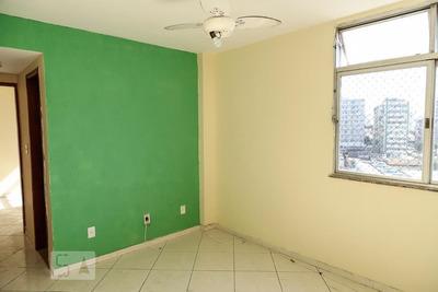 Apartamento No 6º Andar Com 2 Dormitórios E 1 Garagem - Id: 892928812 - 228812