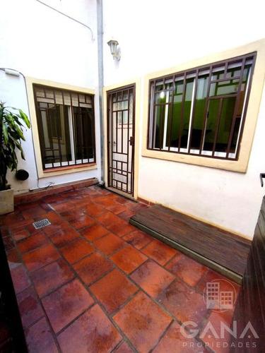 Imagen 1 de 6 de Departamento De Pasillo De 2 Dormitorios  A Metros De Bv. Oroño - Cocina Reciclada