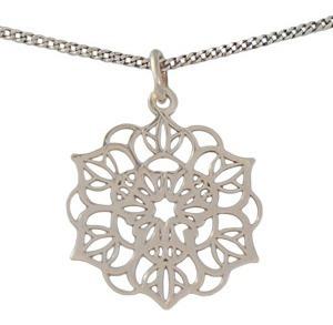 Collar De Plata En Forma De Mandala
