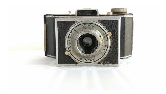 Antiga Máquina Fotográfica Kodak Bantam - Made In Usa.