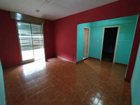 Alquiler Departamento Dos Ambientes (villa Celina)