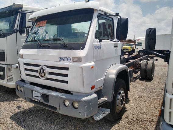 Volkswagen Vw 13180/05 Branco Chassis