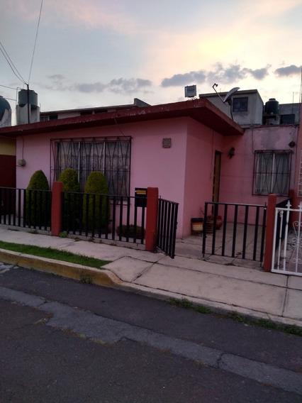 Casa Tres Recámaras Y Un Baño Estancia Comedor Y Cocina