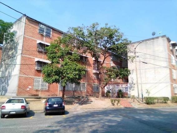 Apartamento En Venta 19-14343