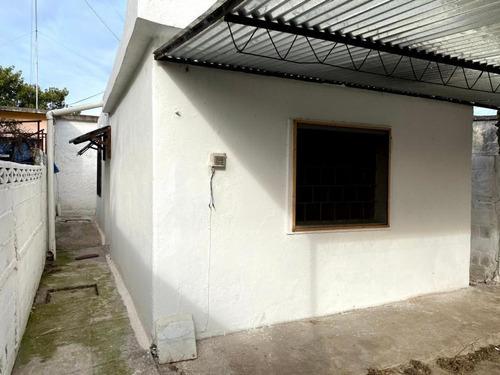Casa Economica Al Frente  1 Dormitorio Camino Maldonado
