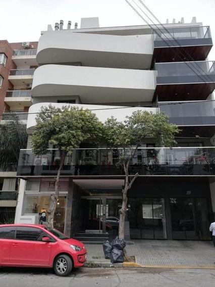 Un Dormitorio Con Terraza Exclusiva - Balcones 9 .