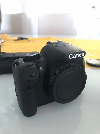 Canon T4i + Lente 18-55mm + 3 Baterias + Acessórios
