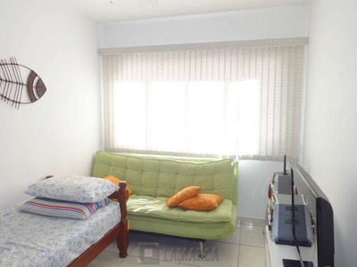 Um Dormitorio A Venda No Guaruja - B 3324-1