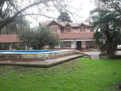 Imagen 1 de 4 de Excelente Quinta Con Quincho, Pileta Y Cancha De Paddle.-