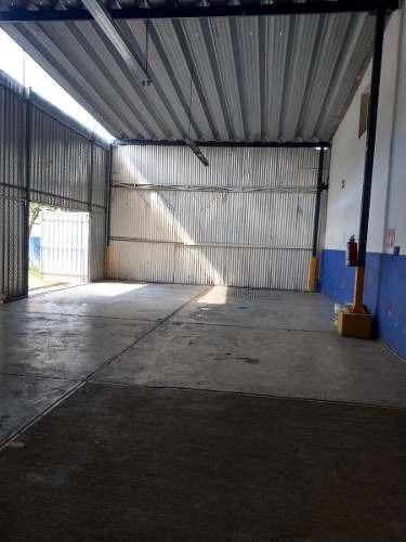 Bodega Comercial En Zona Industrial, Guadalajara