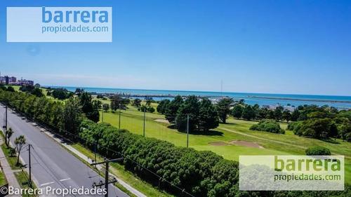 Vista Al Golf Y Mar