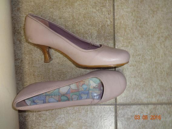 Sapato Rosa Salto Medio De Madeira