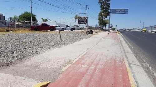 Terreno De 4,000 M2 En Renta En Av. Principal Paseo De La República, Juriquilla, Querétaro