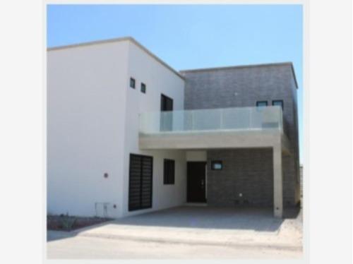 Imagen 1 de 12 de Casa Sola En Venta Fracc. Palma Real