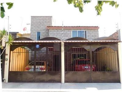 Casa Sola En Venta En Valle Del Real, Celaya, Guanajuato
