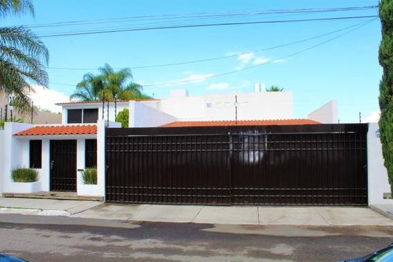 Casa En Renta En Calle San Benjamin 201461 Jl
