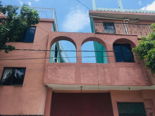 Imagen 1 de 10 de Bonito Departamento Con Amplios Espacios Y Balcón