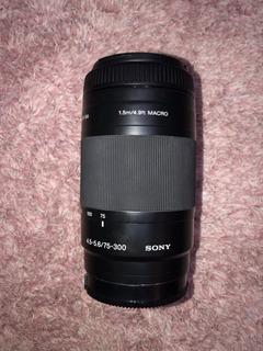 Lente Sony F4.5-5.6/75-300mm 1.5mm/4.9ft Macro
