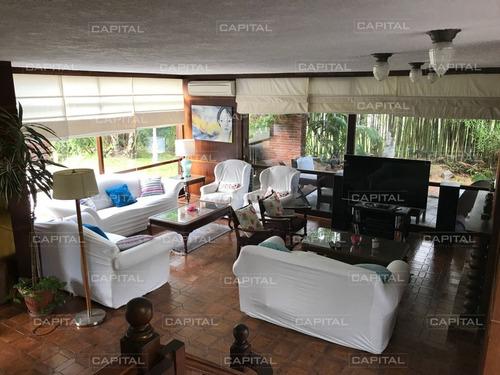 Excelente Chalet De 5 Dormitorios A Metros De La Playa Mansa!- Ref: 24863