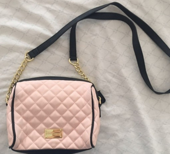 Cartera Betsey Johnson