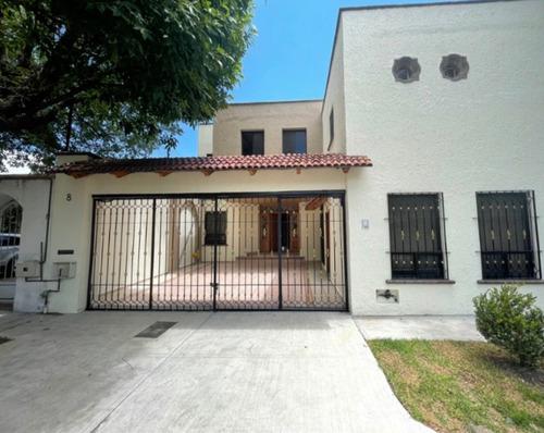 Imagen 1 de 13 de Casa 5 Recamaras Mansiones Del Valle Querétaro