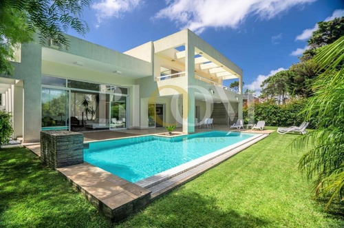 Bloom Rentals, Venta, Casa En Barrio Privado, Punta Del Este