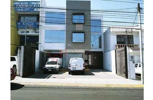 Oficinas Renta, Edificio De 2 Niveles, Avenida Transitada En Queretaro