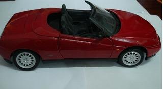 Carro Miniatura Metal Alfa Romeo Spider 1995 Esc. 1/18
